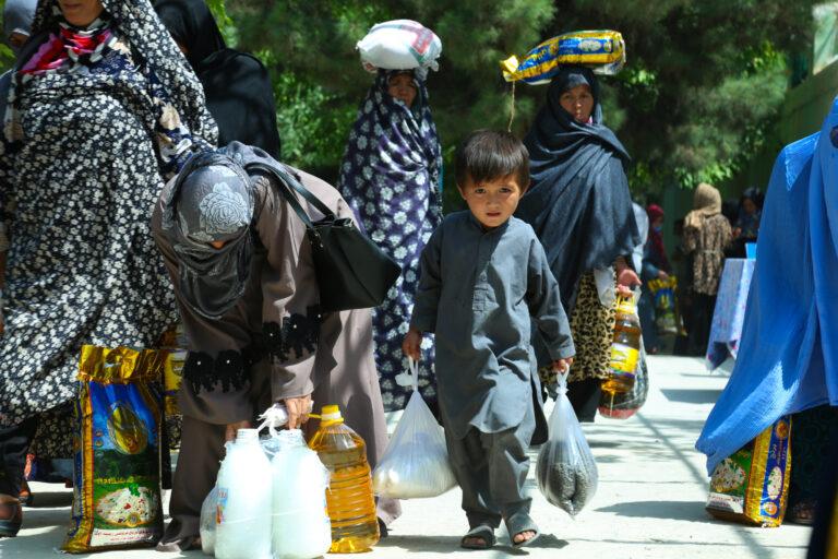 Afghan weaver families receiving emergency relief from STEP